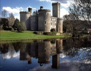 chateau_monbrun_douves_moyen_age