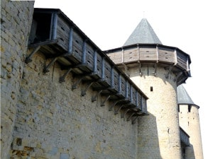 hourd_machicoulis_moyen_age_architecture_medieval_defensive