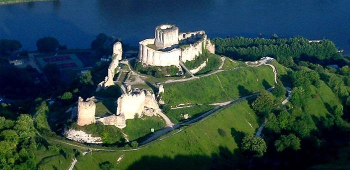 Ci dessus, les ruines de château-Gaillard, mythique forteresse normande construite par Richard Coeur de Lion à la fin du XIIe siècle