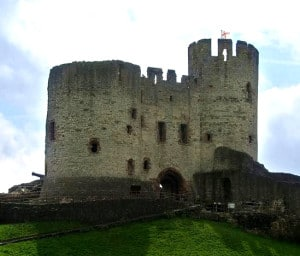 chateaux-fort_anglo-normands_histoire_medievale_mottes_castrales_moyen-age_feodalite
