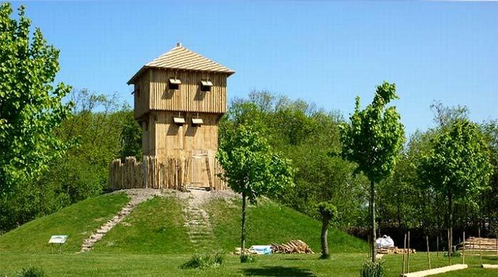 Reconstitution d'une motte castrale avec l'appui de l'archéologie, Terra Maris Museum, Hollande