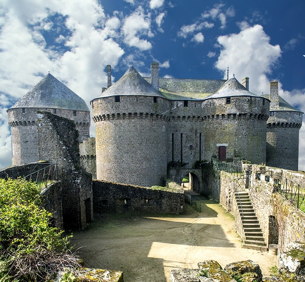 architecture_defensive_histoire_medievale_chateau_fort_l_age_d_or