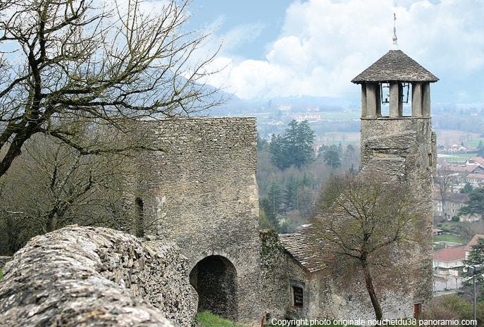 cremieu_patrimoine_historique_cite_medievale