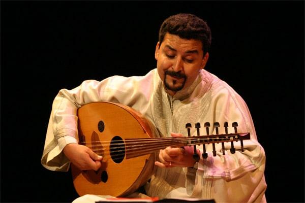 Une danse de l'âme envoûtante interprétée par un virtuose de l'oud