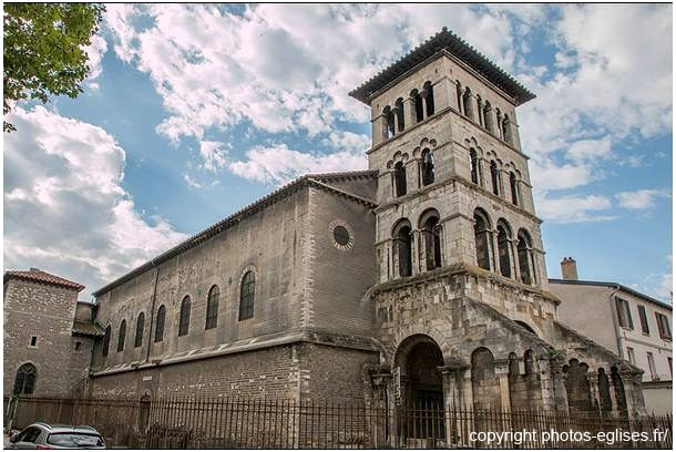 L'église Saint-Pierre de Vienne, une des plus anciennes de France. Construite au Ve siècle puis transformée au XI et XIIe siècle
