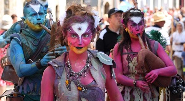 Comme plus de cent autres compagnies présentes, Les Montsrieurs présenteront leurs nouveautés musicales et théâtrales