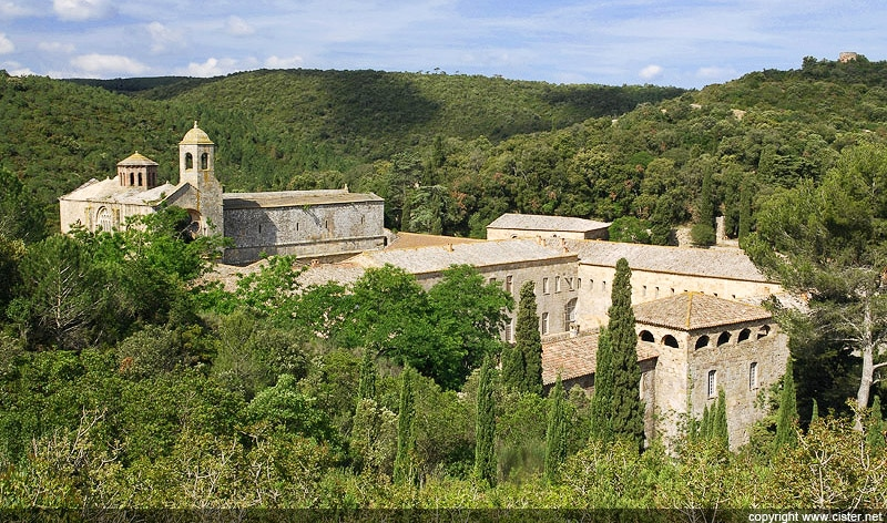 festival_musiques_anciennes_medievales_abbaye_fontfroide_lieu_interet_histoire_cisterciens_cathare