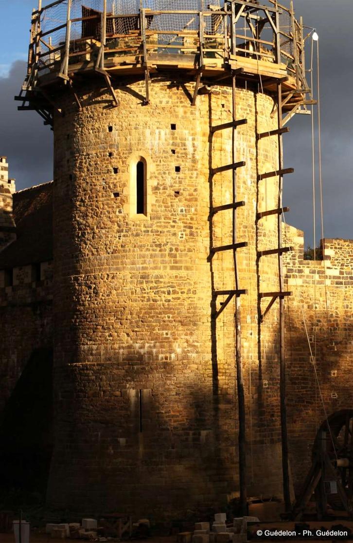guedelon_chantier-aventure_chateau_medieval_reconstitution_historique_moyen-age_central_lieux_interet_agenda_medieval