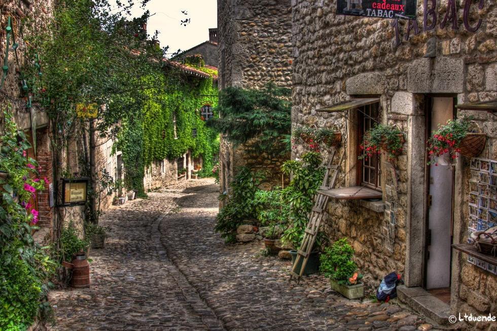 histoire_medievale_perouges_village_medieval_exception_