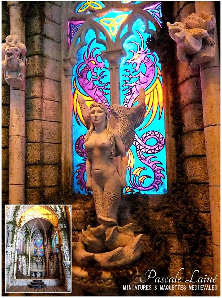 art_maquettes_miniatures_reproduction_scenes_architectures_medievales_melusine_vitraux_eglise_moyen-age
