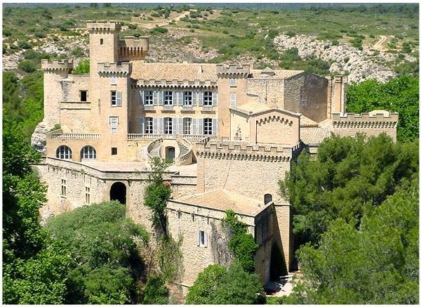 chateau_de_la_barben_histoire_medievale_provence_site_interet