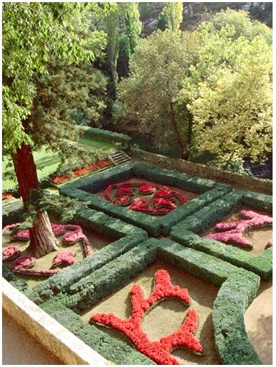 jardin_le_notre_chateau_de_la_barben_provence_histoire_medievale