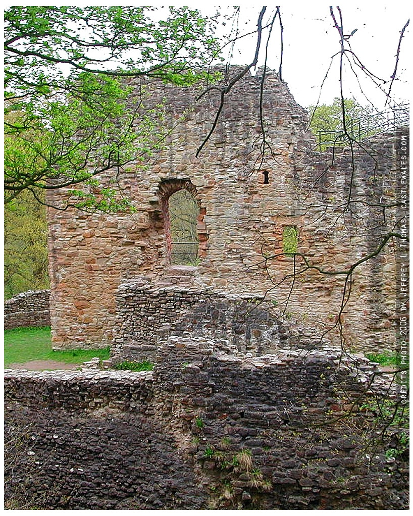 Ewloe_chateau_fort_architecture_europe_medievale_angleterre_moyen-age