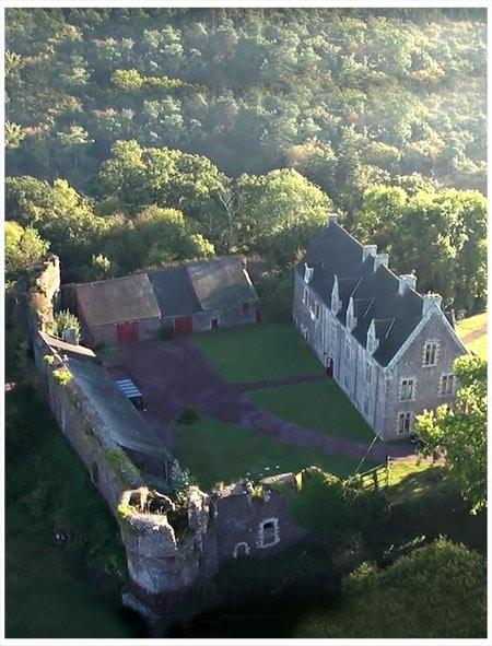 chateau_comper_broceliande_legendes_arthuriennes_bretonnes_histoire_bretagne_medievale