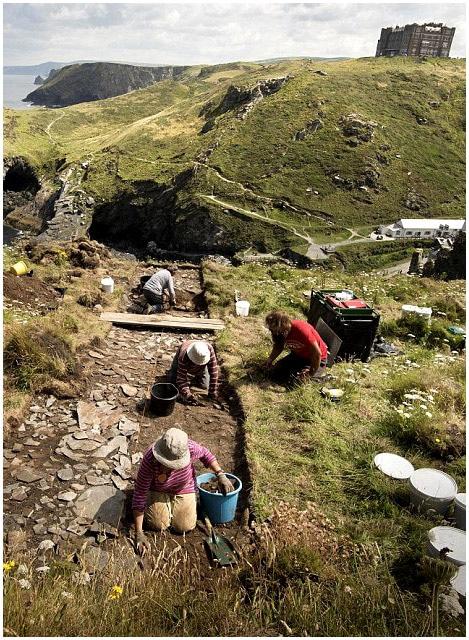 site_archeologie_medievale_tintagel_hautè_moyen-age_legendes_arthuriennes
