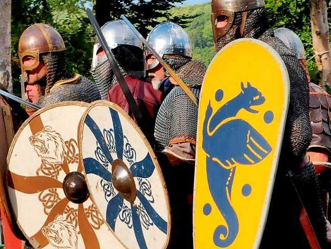 animations-compagnies-medievales-fetes-normandie-2020-montfort-sur-Risle